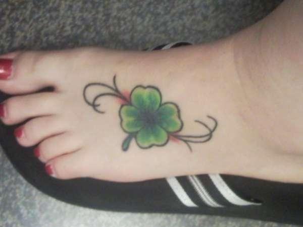 'Lucky' 4-leaf clover tattoo