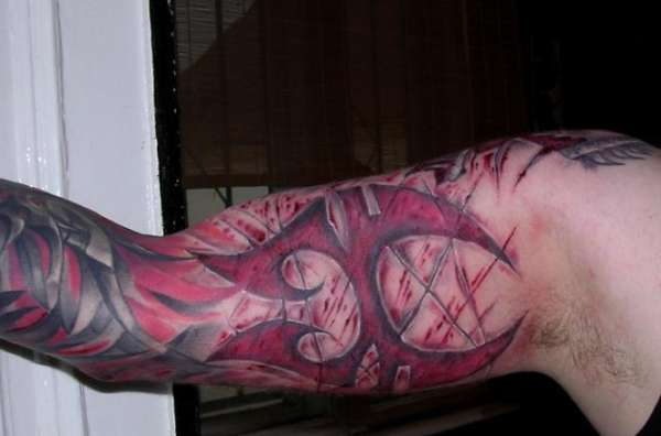 Soulfly with blood tattoo for Are tattoos bad for your blood
