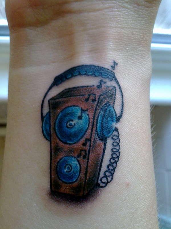 speaker tattoos pictures to pin on pinterest tattooskid. Black Bedroom Furniture Sets. Home Design Ideas