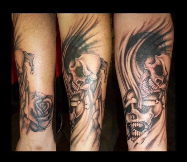 jester skull  n rose tattoo