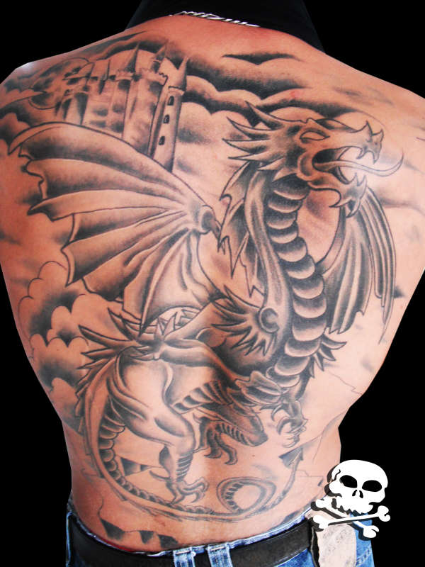 dragao medieval sombreado tattoo