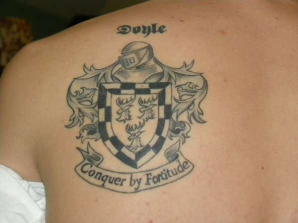Family crest motto tattoo for Family motto tattoos