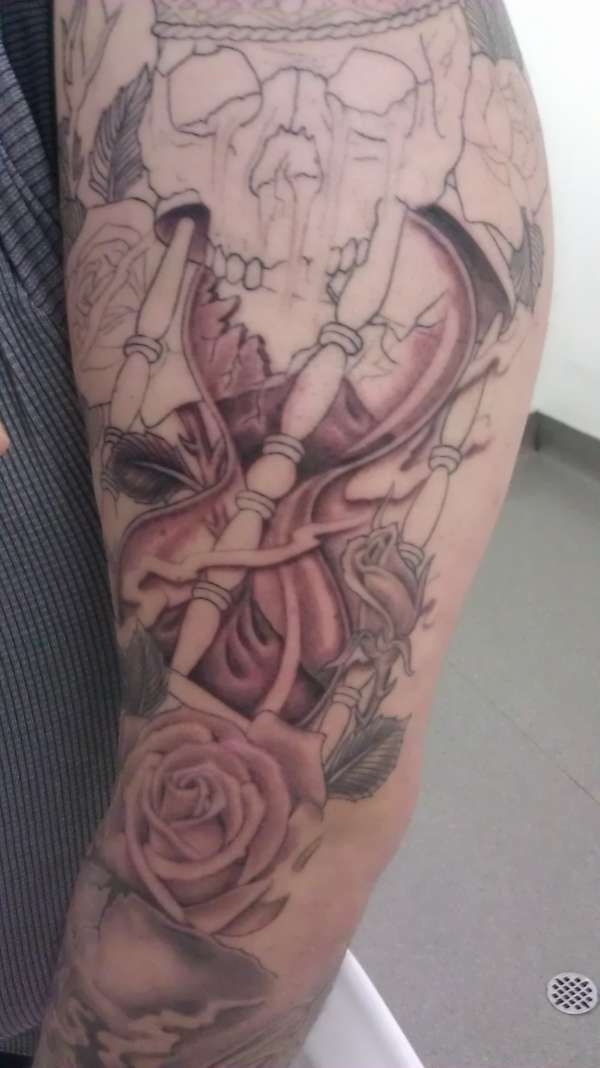 Shading in the hour glass tattoo
