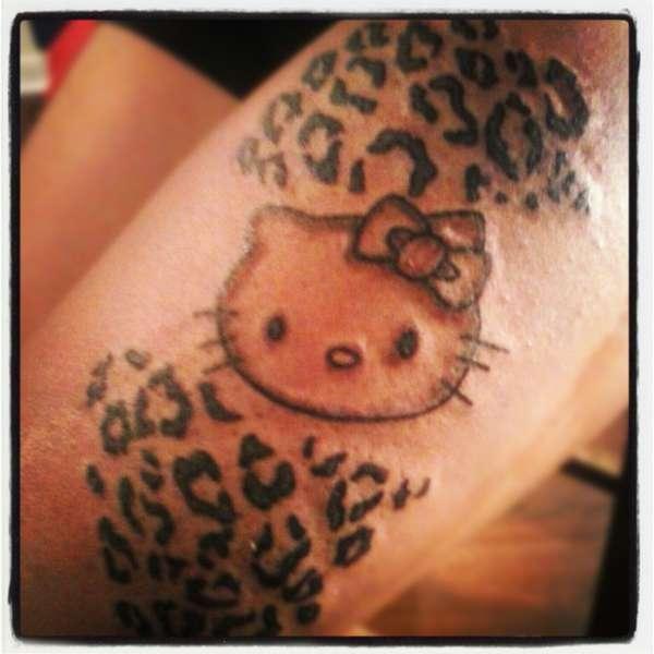 Tribal Hello Kitty: Hello Kitty Tattoo