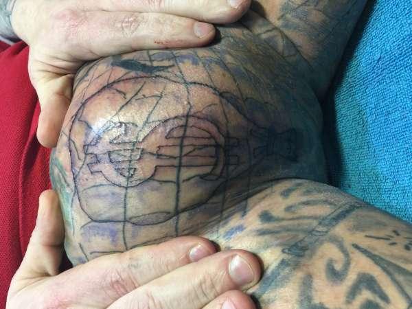 Hoden Tattoo
