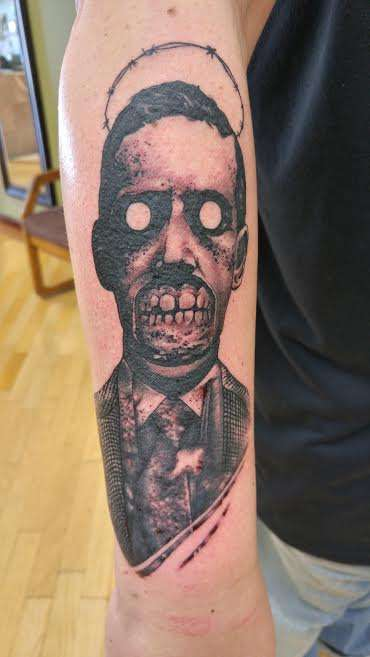 H.P. Lovecraft zombie tattoo