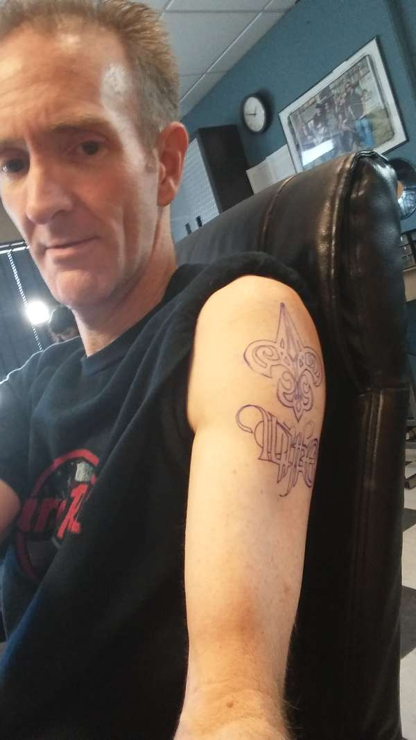 Outlined tattoo