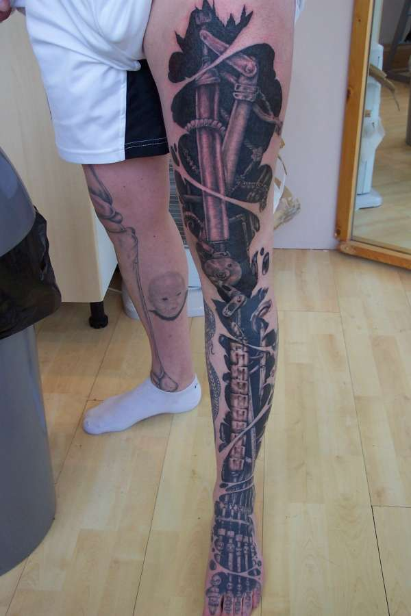 Diff bio robotic? tattoo