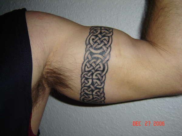 celtic armband knotwork tattoo. Black Bedroom Furniture Sets. Home Design Ideas