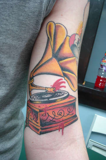 OLD SCHOOL RECORD PLAYER tattoo