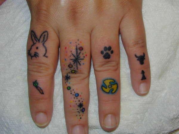 Finger Tats Rabbit, Sparkle, Carrot, etc. tattoo