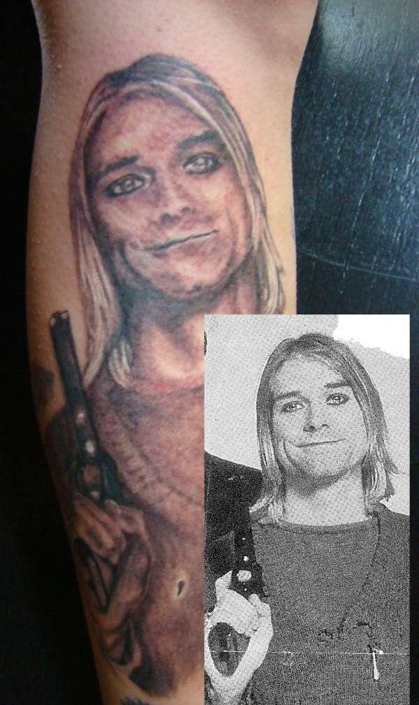 Kurt Cobain with reference tattoo