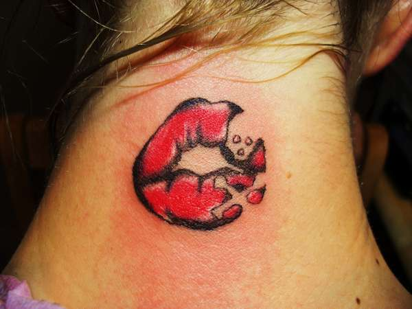 kiss of death tattoo